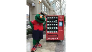 Social Media-Activated Vending Machines Award Red Sox Fans