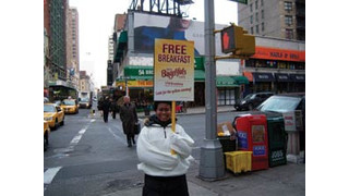 Kraft Treats New Yorkers to Bagel-fuls Breakfast