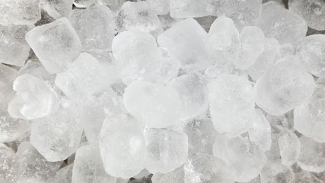 7 Reasons A Countertop Ice Maker Makes Sense