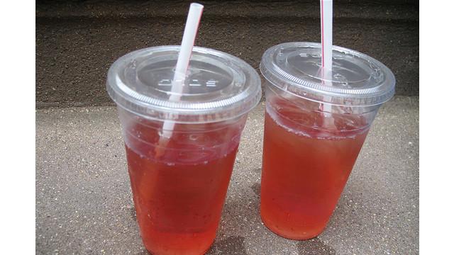 plastic-cups_10854858.psd